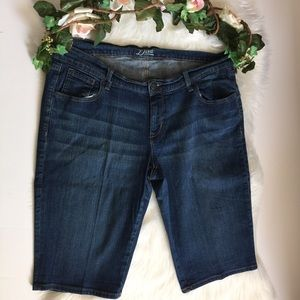 Diva Old Navy Bermuda Blue Jean Shorts